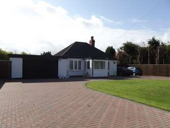 4 Bedrooms Bungalow for sale in Mablethorpe Road, Theddlethorpe, Mablethorpe