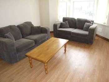 2 Bedrooms Flat for rent in Tudor Rd, Grangetown, CF11 6AL