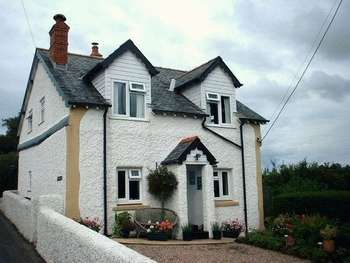 2 Bedrooms Detached House for sale in Penrhiwllan, Llandysul