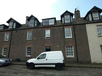 2 Bedrooms Flat for sale in Teith Road, Deanston, Doune
