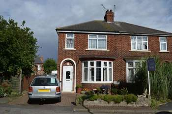 3 Bedrooms Semi Detached House for sale in Priory Crescent, Scunthorpe