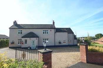 4 Bedrooms Detached House for sale in Shawe Park Road, Kingsley Holt, Stoke on Trent