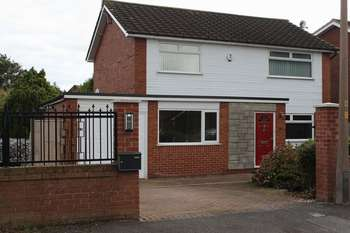 4 Bedrooms Detached House for sale in Bank House Lane, Frodsham