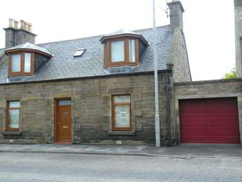 4 Bedrooms Terraced House for sale in East Church Street, Buckie, Morayshire, AB56 1ER