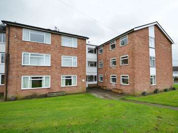 2 Bedrooms Flat for sale in St Davids Road, Abergavenny