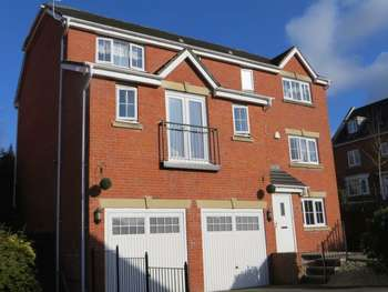 4 Bedrooms Detached House for sale in Pontymason Rise Rogerstone Newport Gwent NP10 9GJ