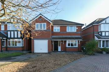 5 Bedrooms Detached House for sale in Kenyon Road, Standish, WN6 0NX