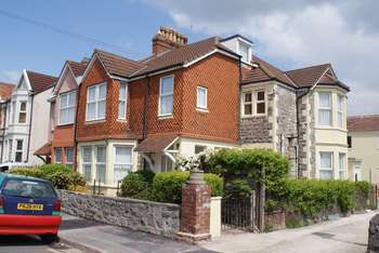 3 Bedrooms Flat for sale in Mendip Road, Weston-Super-Mare