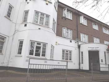 2 Bedrooms Apartment Flat for sale in Lampton Road, Hounslow Central, TW3 4EU