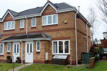 3 Bedrooms Semi Detached House for sale in Sunbeam Close, Runcorn