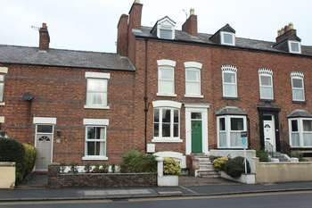4 Bedrooms Terraced House for sale in Boughton, Chester