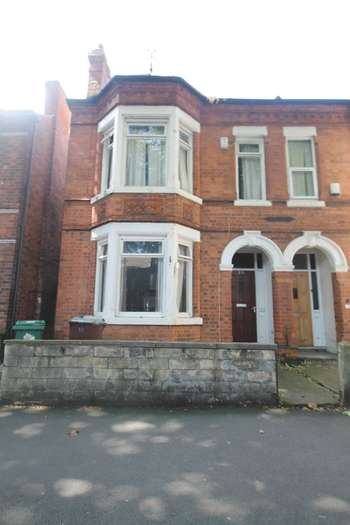 5 Bedrooms Terraced House for rent in Lenton Boulevard Lenton NG7 2ET