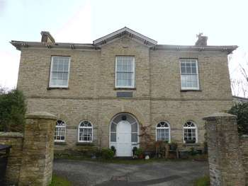 2 Bedrooms Flat for sale in Church Street, Tywardreath