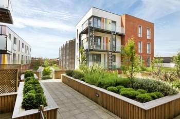 2 Bedrooms Flat for sale in Merryfield Court, Acton
