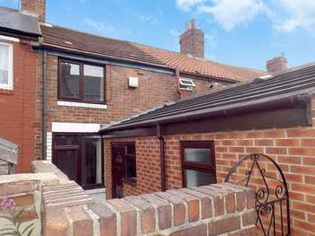 2 Bedrooms Terraced House for sale in Beech Avenue, Murton, SEAHAM, Durham