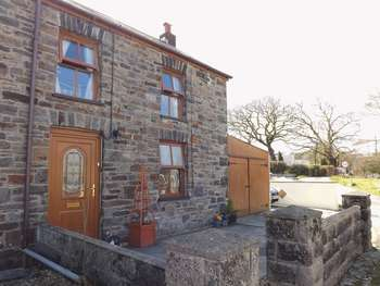 3 Bedrooms House for sale in Trevaughan, Whitland