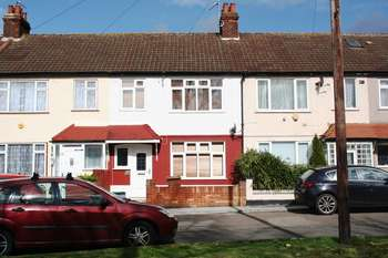 3 Bedrooms Terraced House for sale in Hatton Gardens, Mitcham, CR4