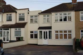 6 Bedrooms House for sale in Gorseway, Romford