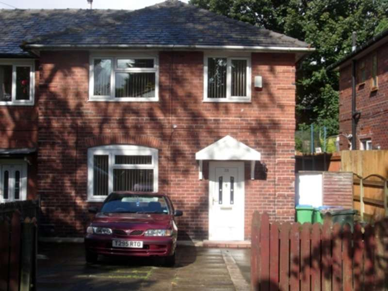 3 Bedrooms Terraced House for sale in Jutland Avenue, Rochdale, Lancashire, OL11 5DP