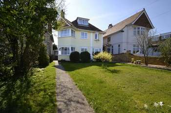 5 Bedrooms Detached House for sale in Fronks Road, Harwich