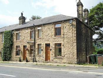2 Bedrooms Terraced House for sale in Halifax Road, Littleborough