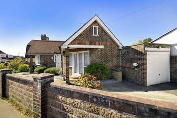 2 Bedrooms Bungalow for sale in Kings Road, Lancing