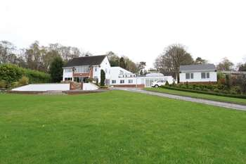 4 Bedrooms Detached House for sale in Snape Hall Road, Whitmore