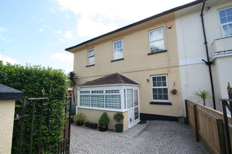 4 Bedrooms Semi Detached House for sale in Billacombe Villas, Plymstock.