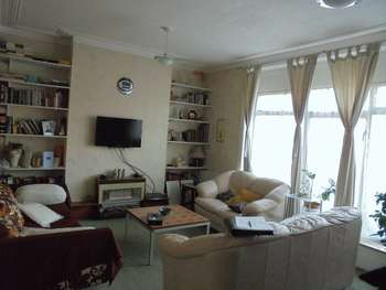 2 Bedrooms Flat for sale in 2/3 Bedroom Flat with NEW LEASE For Sale in N13 Wood Green Border