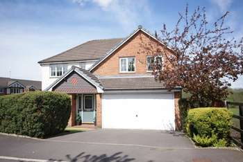 4 Bedrooms Detached House for sale in Crompton Avenue, Rochdale