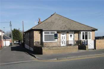2 Bedrooms Semi Detached Bungalow for sale in Medomsley Road, Consett, County Durham, DH8
