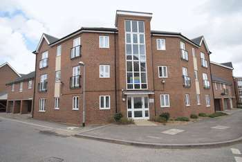 2 Bedrooms Flat for sale in Nettle Way, Sheerness