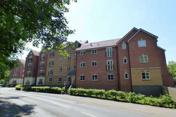 2 Bedrooms Flat for sale in Belle Vale, Halesowen