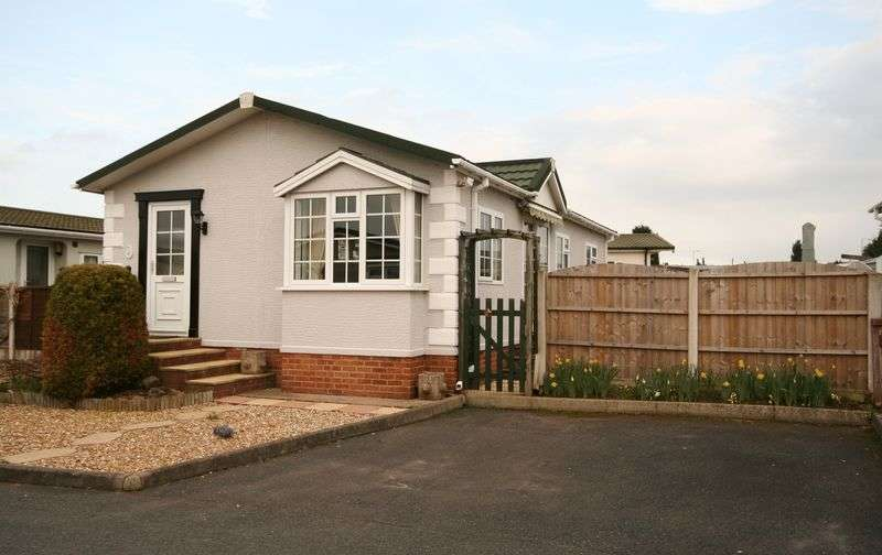 2 Bedrooms Property for sale in Craft Way, Muxton, Telford