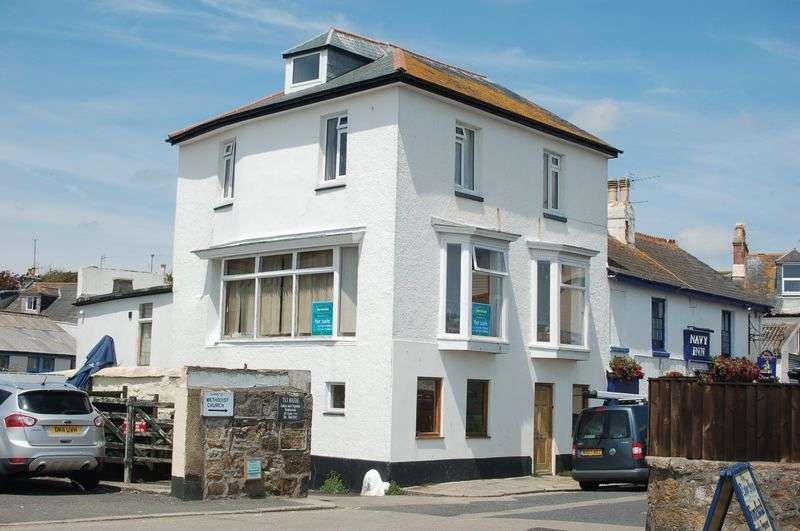 4 Bedrooms Semi Detached House for sale in Queen Street, Penzance