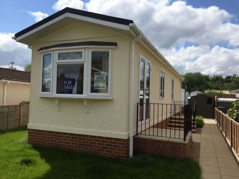 2 Bedrooms Property for sale in Strande Park, Maidenhead
