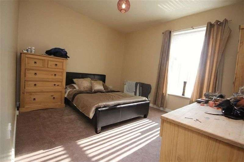 2 Bedrooms Terraced House for sale in Rooley Moor Road, Meanwood, Rochdale