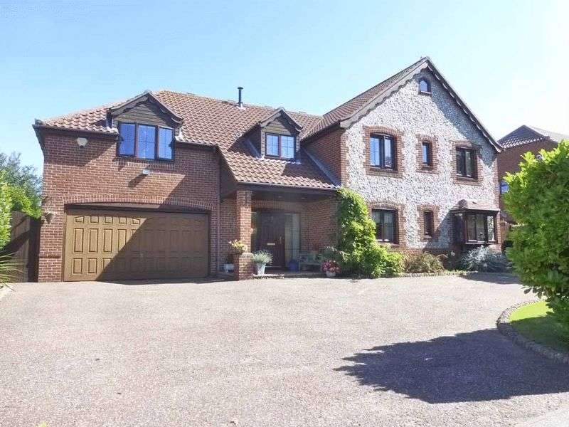 5 Bedrooms Detached House for sale in Ormesby St Margaret