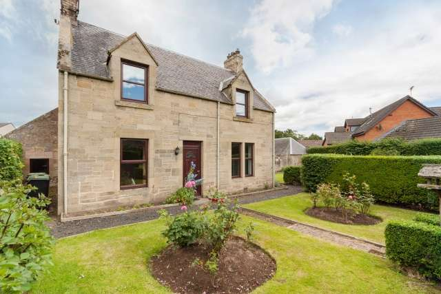 4 Bedrooms Detached House for sale in Ednam Road, Kelso, Borders, TD5 7ST