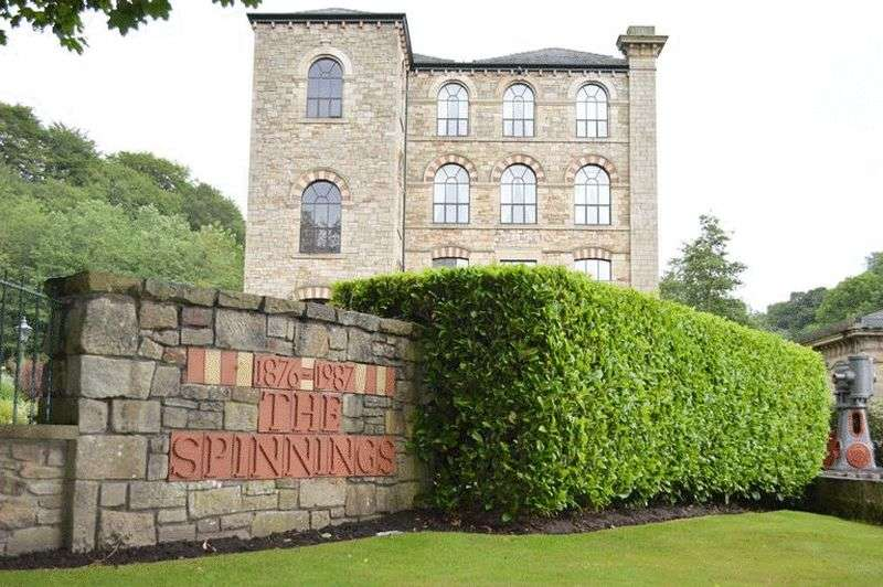 3 Bedrooms Flat for sale in The Spinnings, Waterside Road, Summerseat