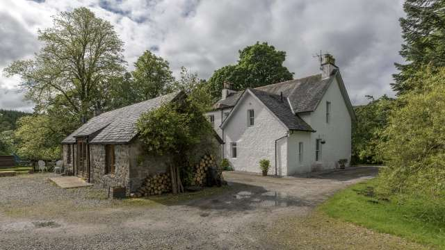 4 Bedrooms Detached House for sale in Gairlochy, Nr Spean Bridge, Inverness-shire, Highland, PH34 4EQ