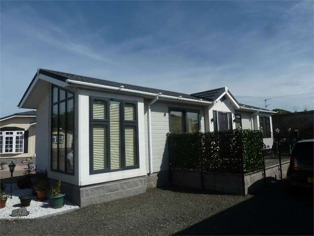 2 Bedrooms Park Home Mobile Home for sale in Seaton Estate, Arbroath, Angus