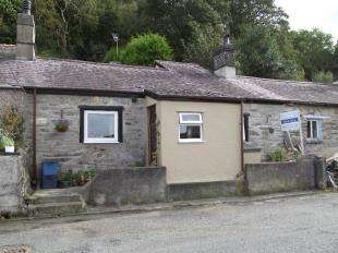 2 Bedrooms Terraced House for sale in Braichmelyn, Bethesda, Gwynedd, LL57