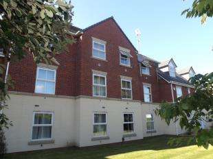 2 Bedrooms Flat for sale in Strawberry Park, Whitby, Ellesmere Port, Cheshire, CH66