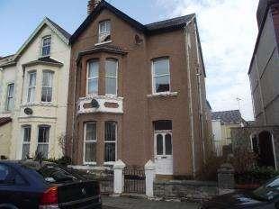 2 Bedrooms Flat for sale in Caroline Road, Llandudno, Conwy, LL30