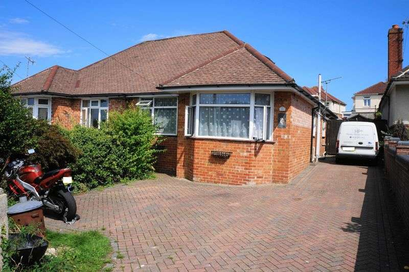 3 Bedrooms Semi Detached Bungalow for sale in SOUTH EAST CRESCENT, SHOLING, SOUTHAMPTON