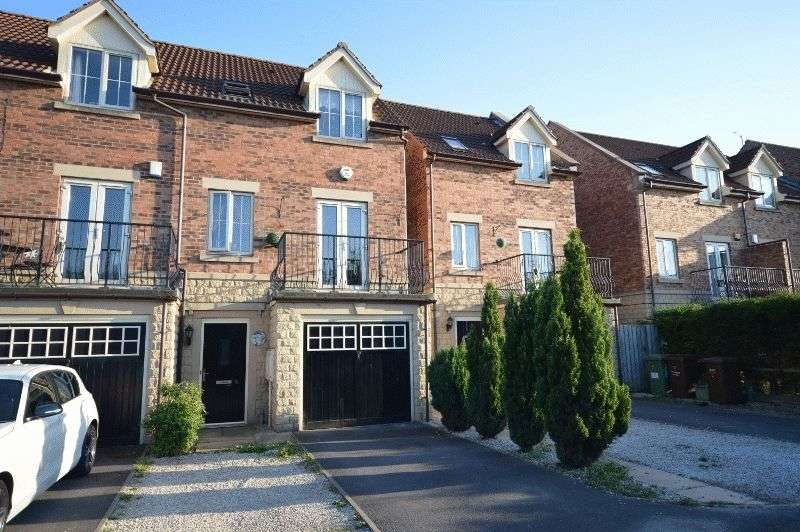 3 Bedrooms Terraced House for sale in Orchard Grove, Castleford