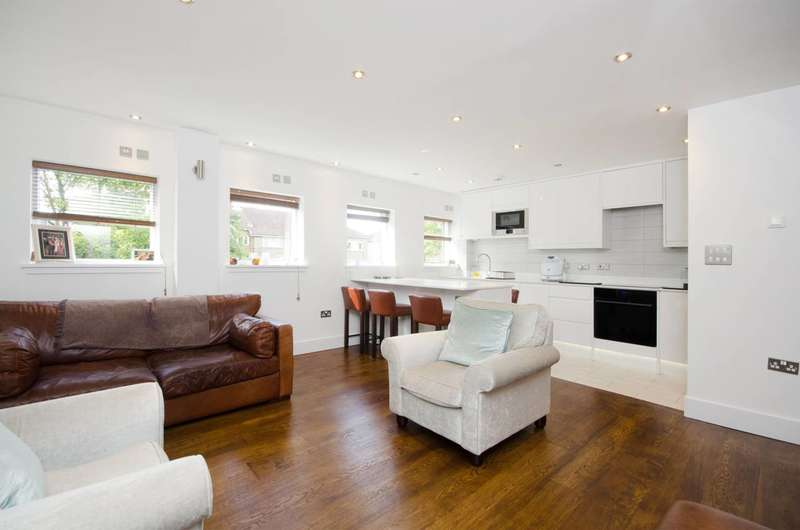 2 Bedrooms Flat for sale in The Downs, Raynes Park, SW20