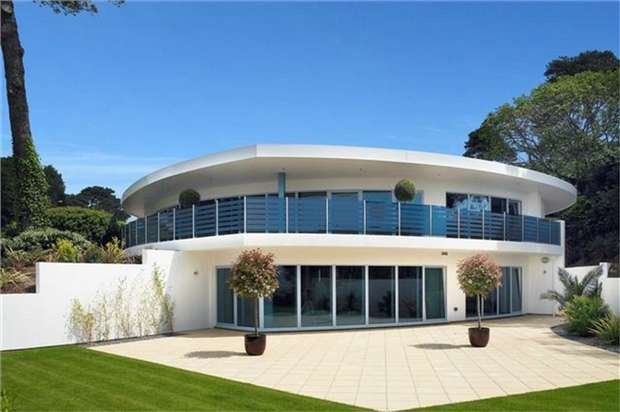 3 Bedrooms Flat for sale in Haven Road, Sandbanks, Poole, Dorset
