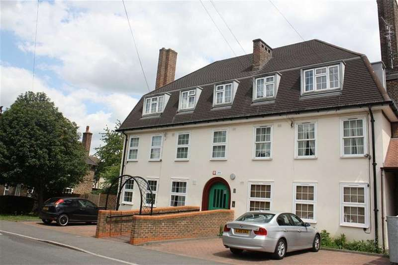 2 Bedrooms Flat for sale in Scarlet Road, SE6